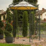 Gartenpavillon Siena mit Messingkugel