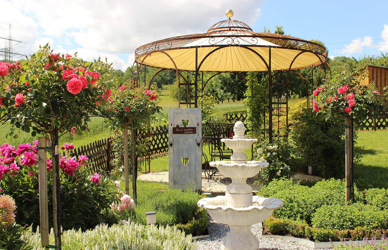 Gartenpavillon Florenz mit Messingkugel und Sonnensegel, unbeschichtet (Edelrost)