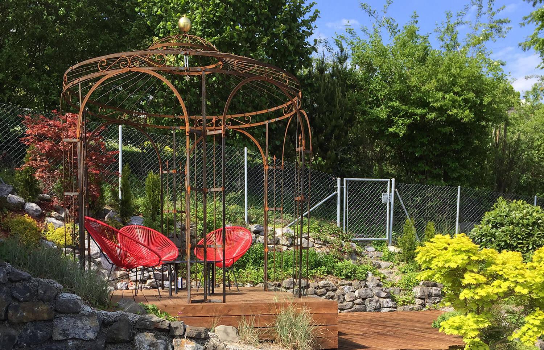 Gartenpavillon Milano mit Messingkugel in Edelrost