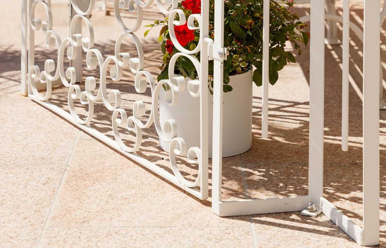 Gartenpavillon Verona mit Rankgitter Rosa
