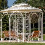 Pavillon Verona in Sonderfarbe weiß mit Rankgitter Rosa und Sonnensegel