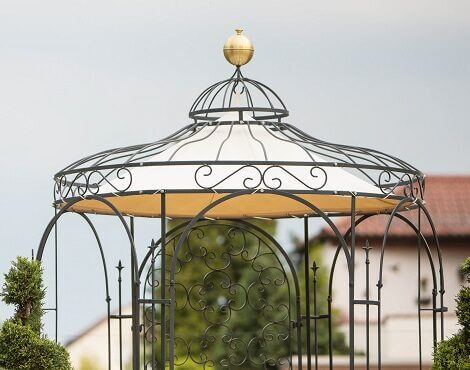 Pavillon Siena mit Messingkugel und Sonnensegel