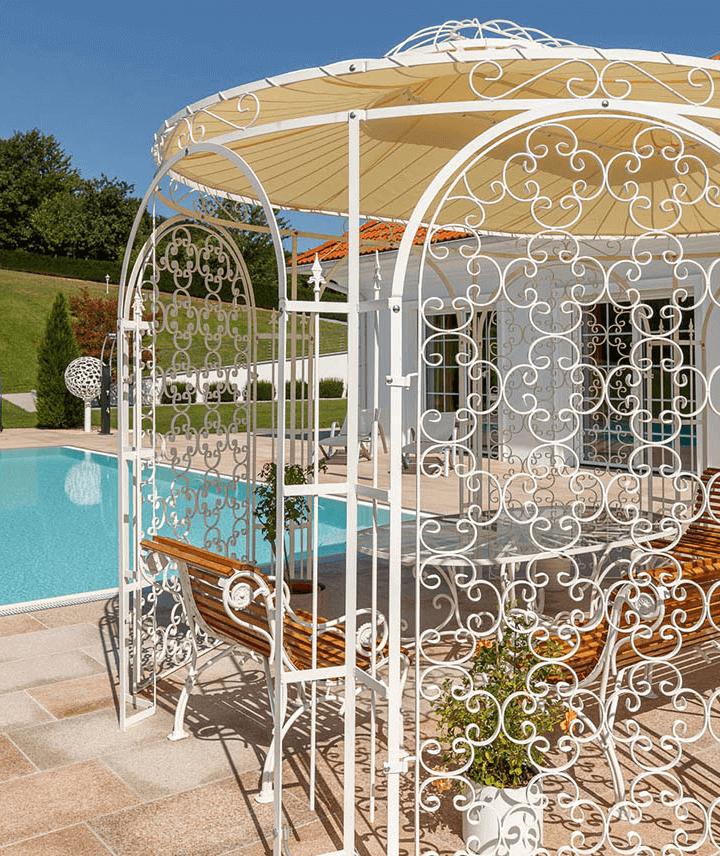 pavillon-verona-pulverbeschichtet-sonderfarbe-weiss-sonnensegel-rankgitter_720x856_stage